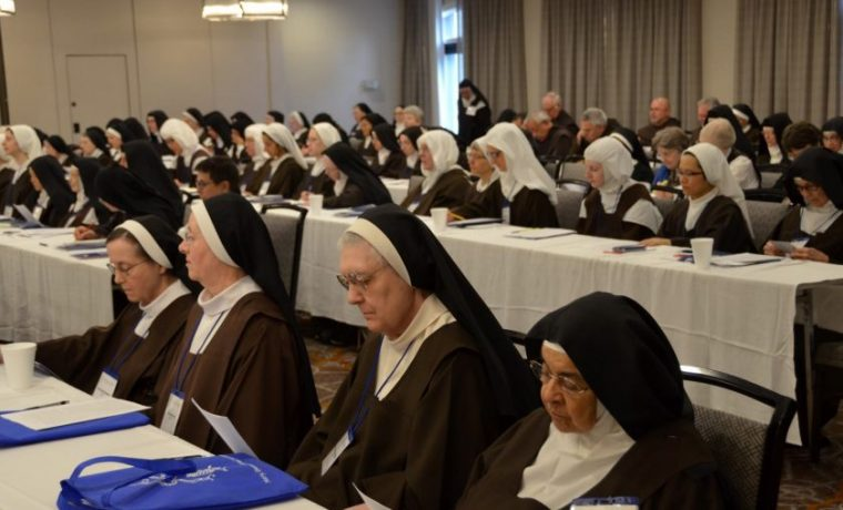 Father Saverio Meets With Discalced Carmelite Nuns from USA